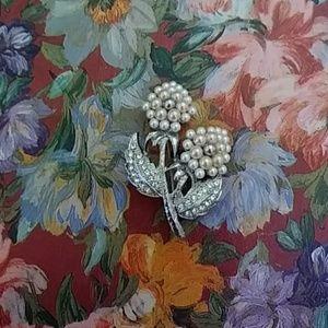 Women's vintage pin